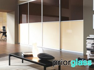 Цветное стекло в интерьере - фото