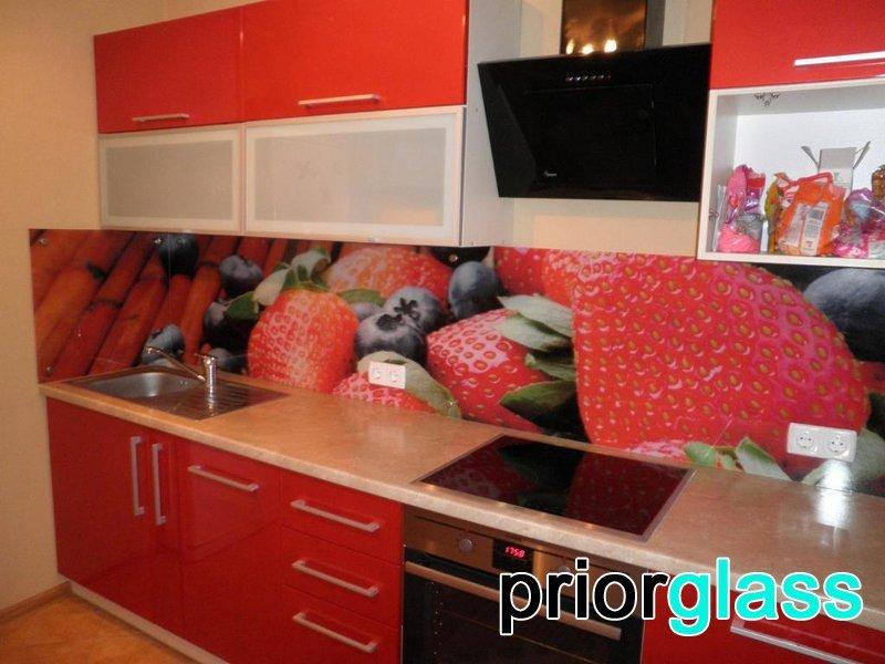 Стекло с фотопечатью в интерьере кухни от Приоргласс